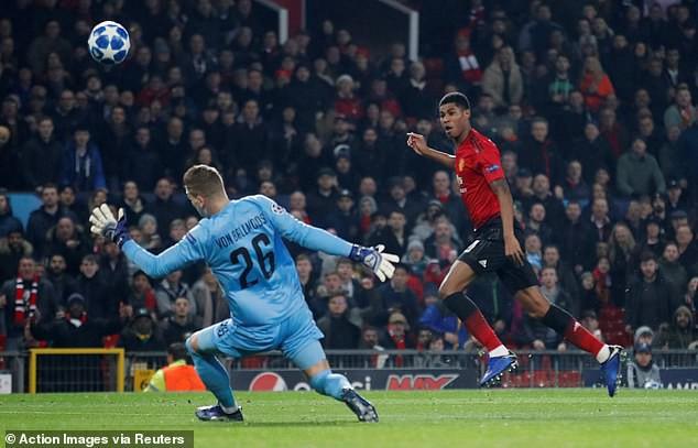 Mourinho nổi cơn tam bành, Fellaini tái hiện kỳ tích của Ronaldo và những điểm nhấn khi Man Utd hạ Young Boys - Ảnh 3.