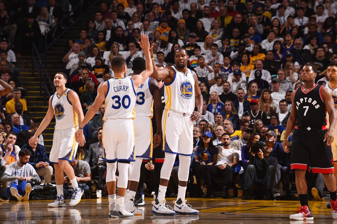 Klay Thompson mạnh dạn phán Golden State Warriors và đội bóng này sẽ vào NBA Finals năm nay - Ảnh 2.