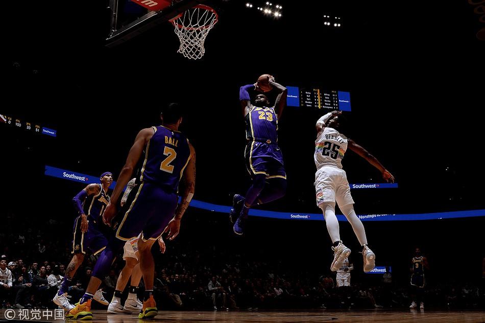 Lonzo Ball chấn thương, LA Lakers mất cả hai hậu vệ dẫn bóng sau trận thua Denver Nuggets - Ảnh 2.