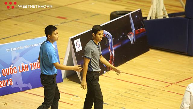 CHÍNH THỨC: CẤM THI ĐẤU 10 NĂM đối với hai cầu thủ Cần Thơ đánh trọng tài tại Đại hội TDTT Toàn quốc - Ảnh 4.
