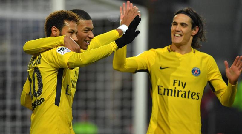 Buffon so sánh bộ ba Salah-Firmino-Mane của Liverpool với dàn tấn công 400 triệu bảng của PSG như thế nào? - Ảnh 5.