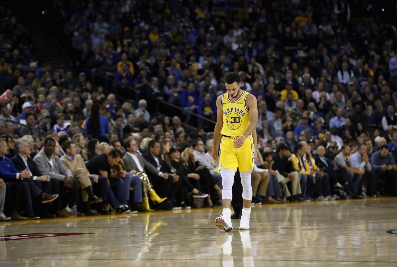 Stephen Curry sẽ trở lại hoành tráng trong trận đụng Toronto Raptors sắp tới? - Ảnh 1.