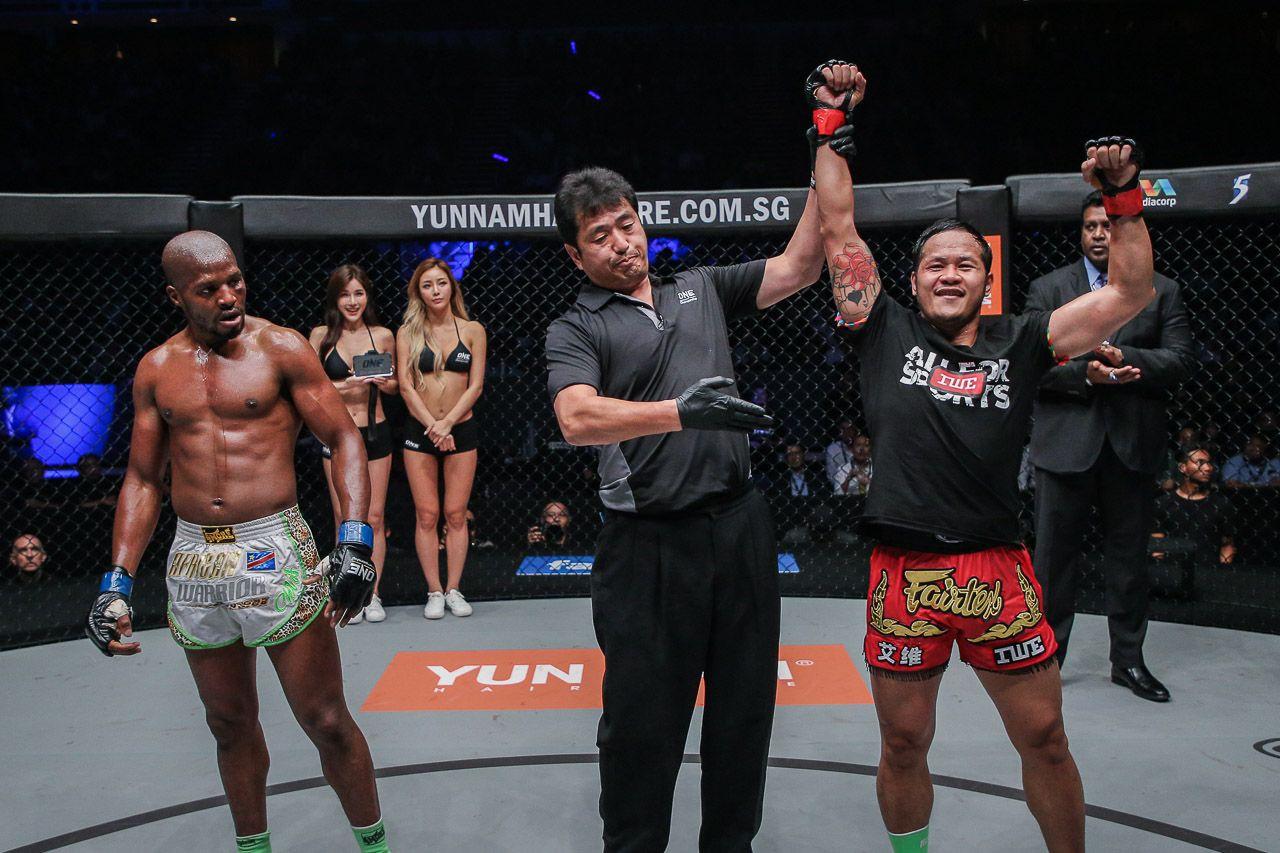 Trở lại sàn ONE Championship, huyền thoại Yodsanklai Fairtex tiến gần hơn với mục tiêu đai vô địch - Ảnh 3.