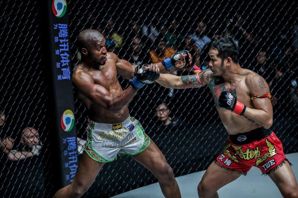 Trở lại sàn ONE Championship, huyền thoại Yodsanklai Fairtex tiến gần hơn với mục tiêu đai vô địch - Ảnh 1.