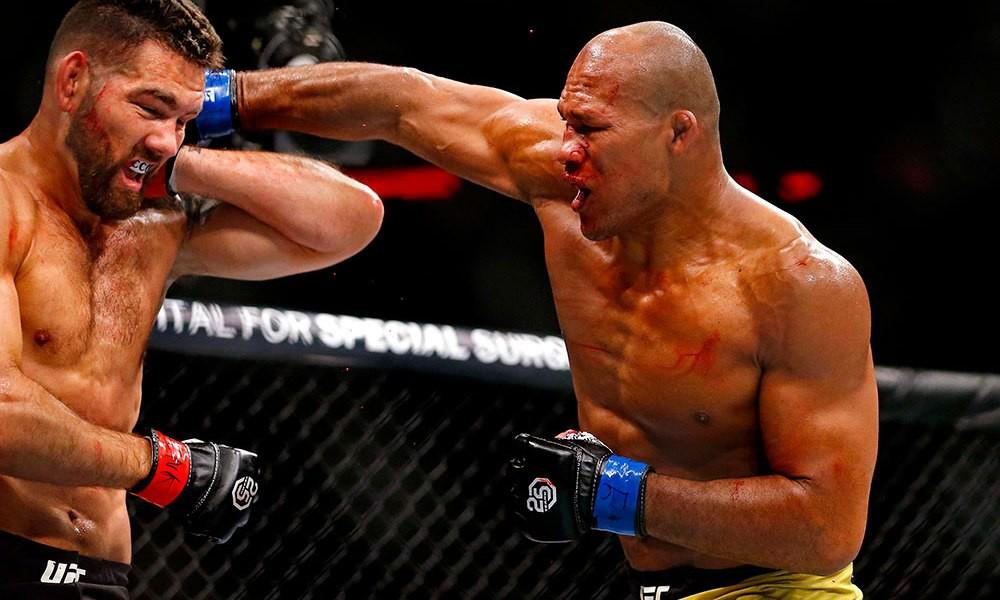 Cá sấu Ronaldo Souza phàn nàn về việc bị UFC không cho phép tranh đai - Ảnh 2.