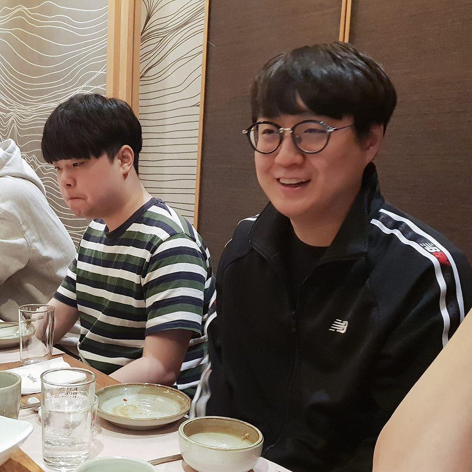 Sau bữa ăn chia tay SKT18, ngày hôm qua là bữa ăn chào mừng và gặp mặt của SKT19 - Ảnh 8.