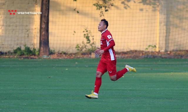 Trọng Hoàng chia sẻ bất ngờ về khả năng thích ứng đá hậu vệ tại AFF Cup 2018 - Ảnh 3.