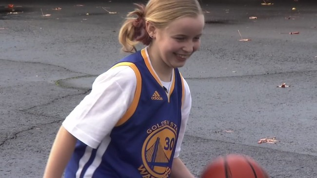 Viết thư cho bé gái, các đồng nghiệp NBA còn phải học hỏi Stephen Curry - Ảnh 3.