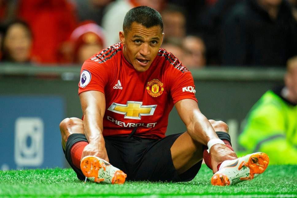 Tin bóng đá ngày 30/11: HLV Mourinho báo tin xấu về chấn thương của Sanchez, hé lộ tương lai De Gea - Ảnh 1.