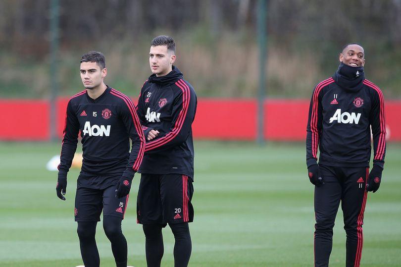 Mourinho sẽ thay đổi 4 vị trí nào cho Man Utd ở trận gặp Southampton? - Ảnh 3.