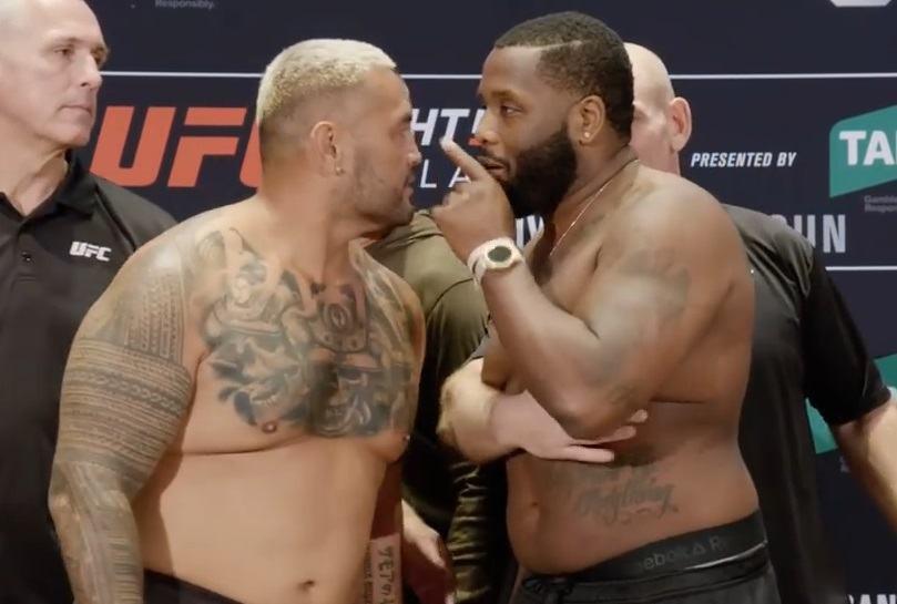 Mark Hunt choảng nhau với đối thủ Justin Willis hậu trường weigh-in UFC Fight Night 142 - Ảnh 3.