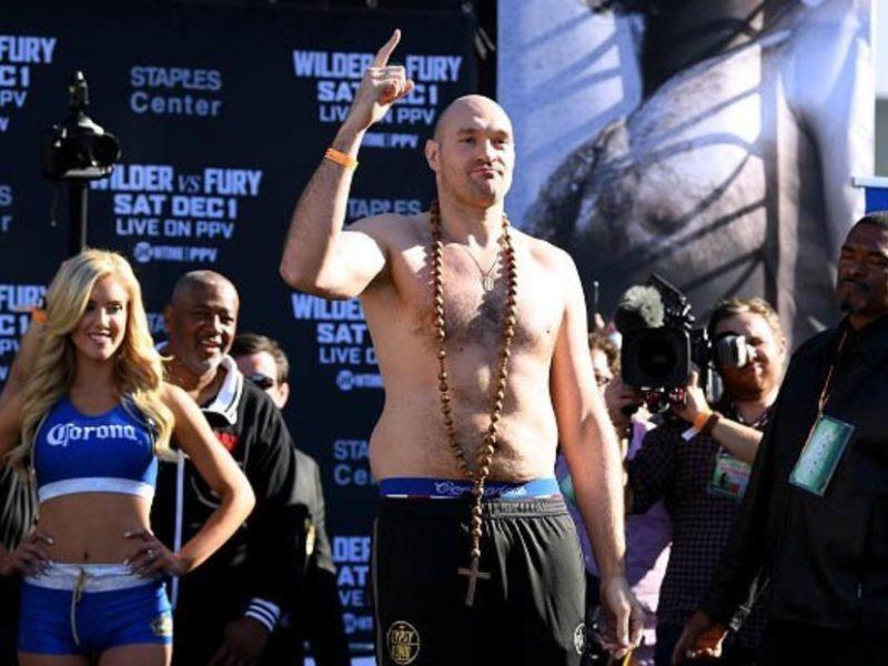 Cả Deontay Wilder lẫn Tyson Fury đều đang ở mức cân nặng thấp kỷ lục trước ngày thi đấu - Ảnh 4.
