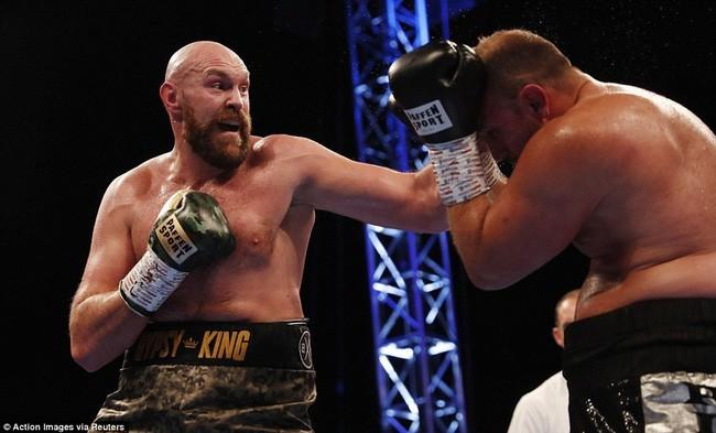TRỰC TIẾP Quyền Anh: Tyson Fury vs Deontay Wilder - Ảnh 7.