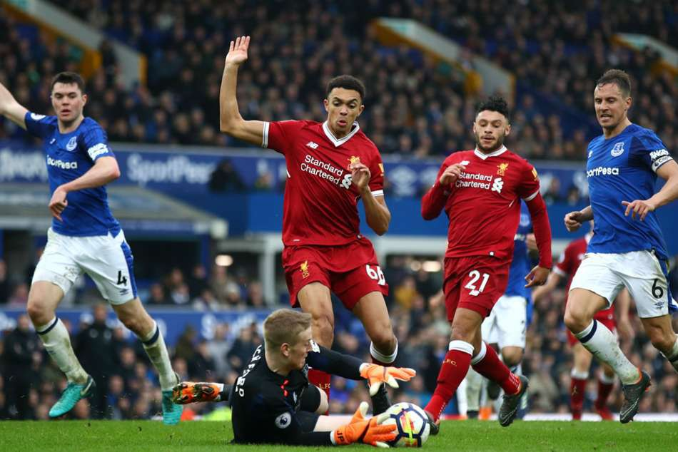 Chuyên gia Mark Lawrenson nhận định dự đoán tỷ số trận Liverpool - Everton - Ảnh 5.