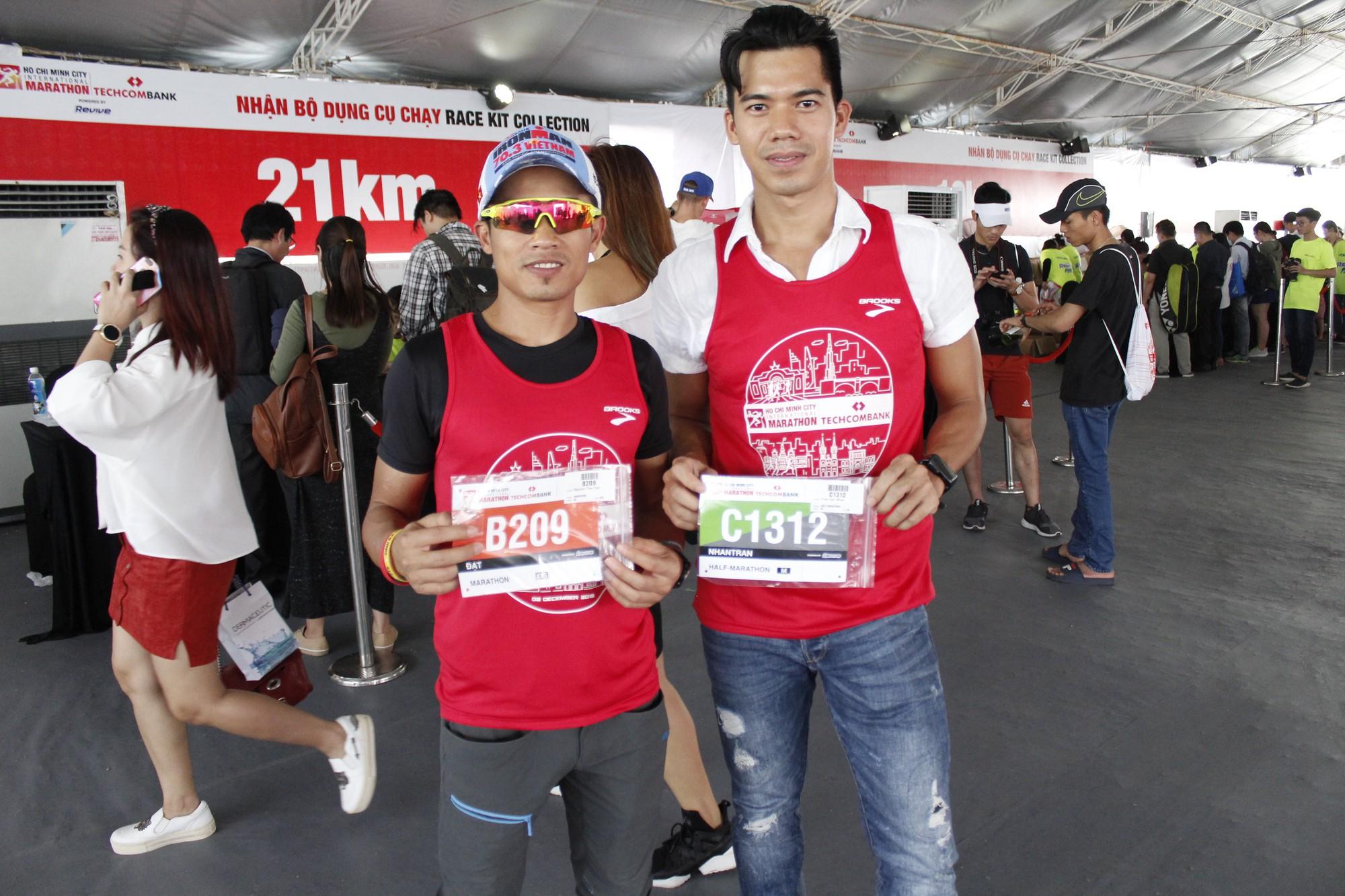 Hàng ngàn VĐV hào hứng đến nhận bib marathon quốc tế Techcombank - Ảnh 4.