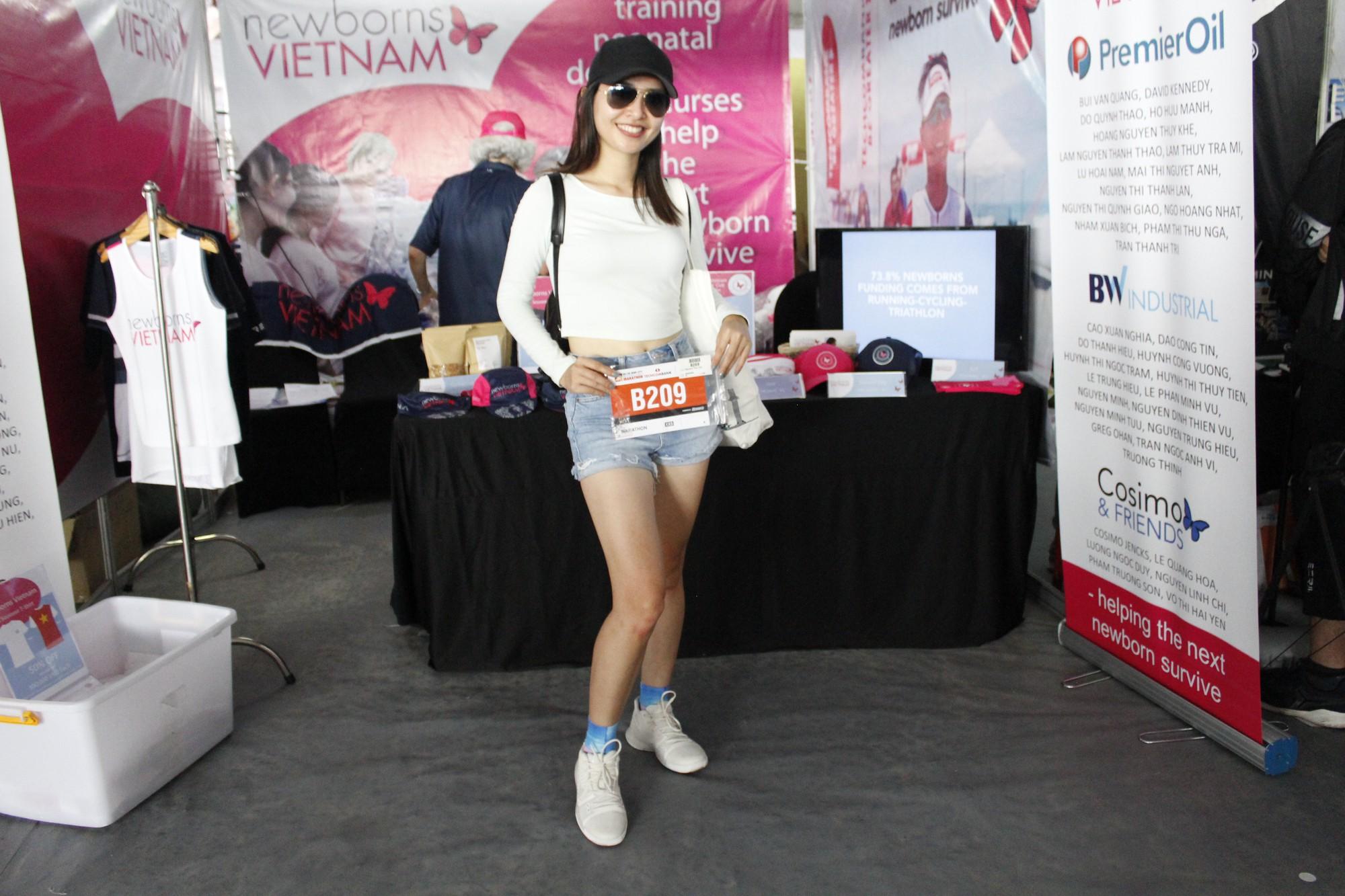 Hàng ngàn VĐV hào hứng đến nhận bib marathon quốc tế Techcombank - Ảnh 5.