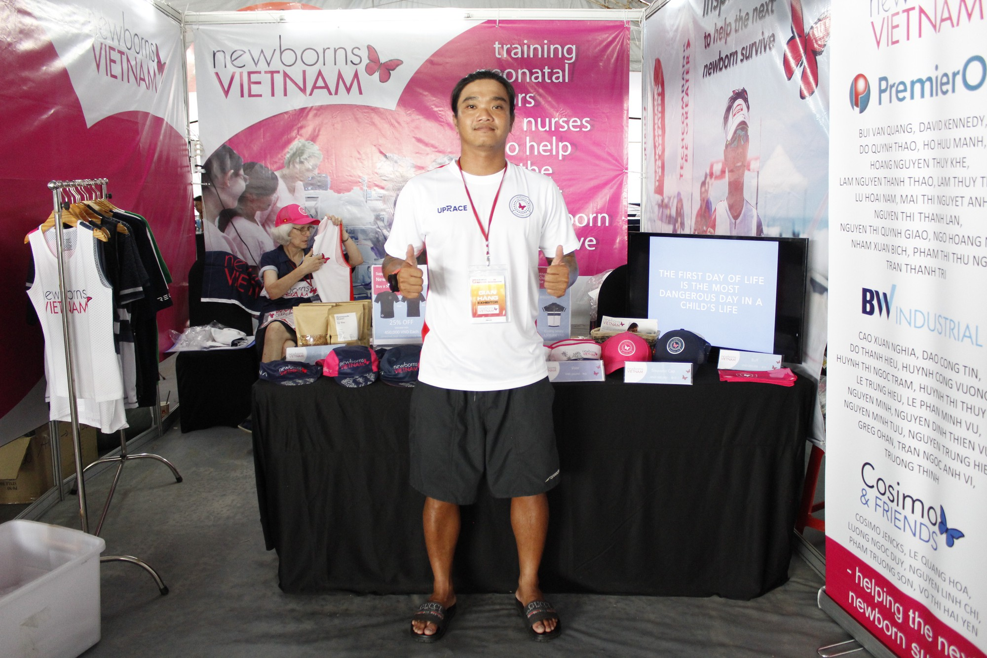 Hàng ngàn VĐV hào hứng đến nhận bib marathon quốc tế Techcombank - Ảnh 8.