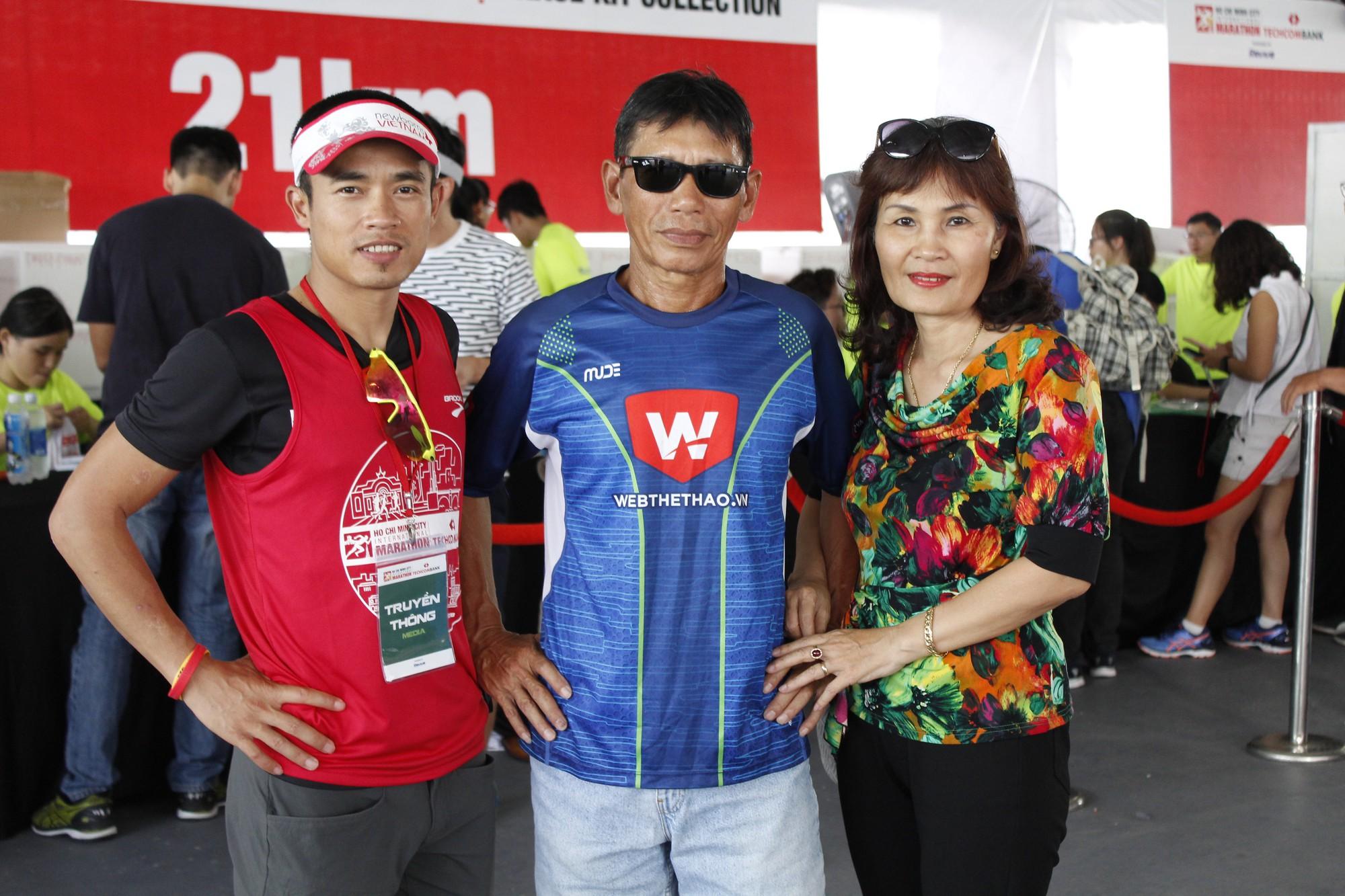 Hàng ngàn VĐV hào hứng đến nhận bib marathon quốc tế Techcombank - Ảnh 10.