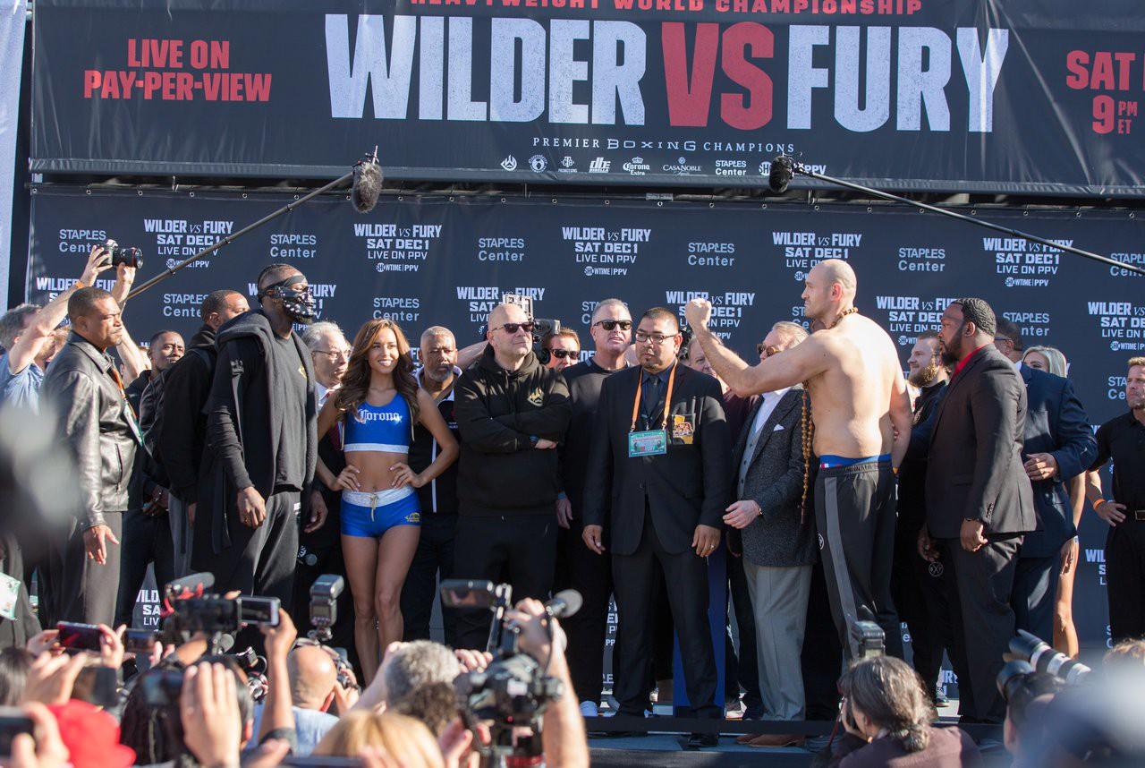 Deontay Wilder vs. Tyson Fury: Hai võ sĩ sẽ kiếm được bao nhiêu từ trận bảo vệ đai hạng nặng? - Ảnh 1.