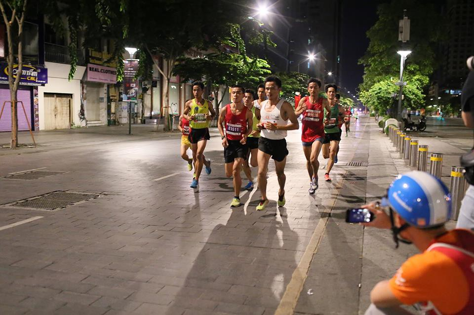 13 chiêu để hoàn thành TCB Hochiminh City Marathon một cách thần thái nhất - Ảnh 5.