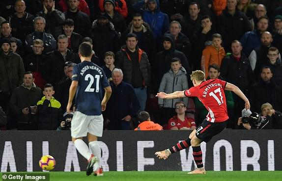 Vì sao Jose Mourinho bố trí Matic đá trung vệ trước Southampton? - Ảnh 1.