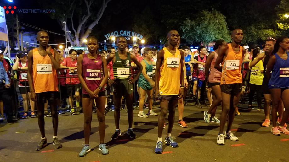 Nguyễn Khoa, Lò Thị Thanh VĐ giải chạy marathon quốc tế TPHCM - Ảnh 2.
