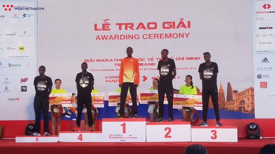Nguyễn Khoa, Lò Thị Thanh VĐ giải chạy marathon quốc tế TPHCM - Ảnh 6.