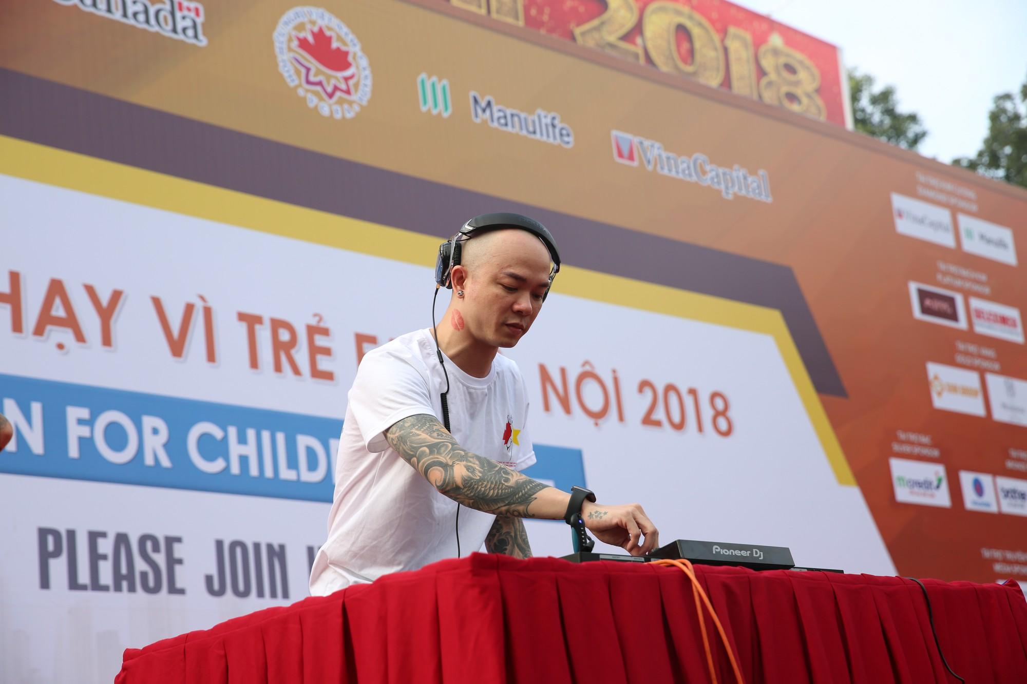 Chạy vì trẻ em Hà Nội 2018 thu hút hàng nghìn người tham dự, quyên góp hơn 1 tỷ đồng - Ảnh 6.