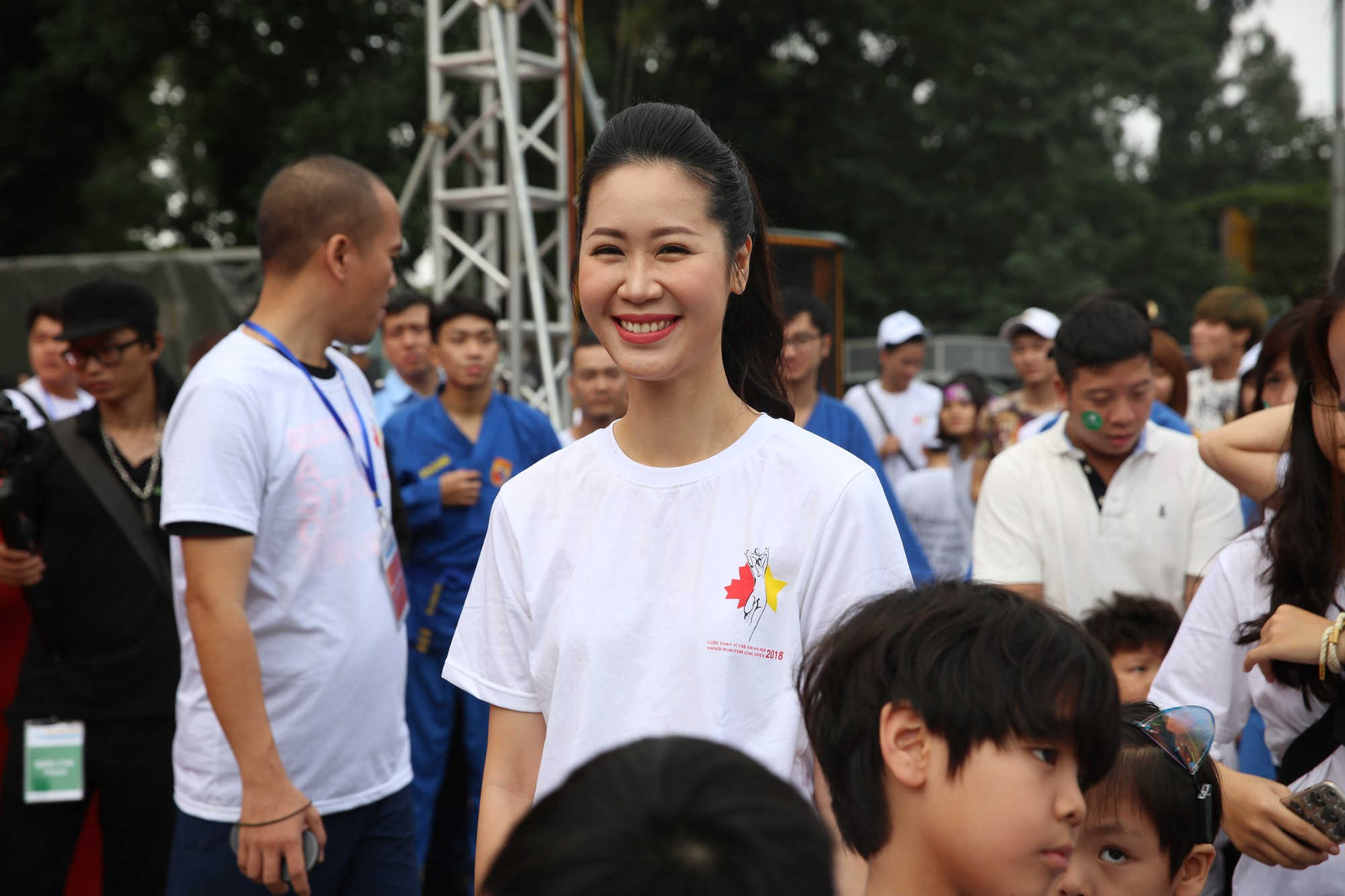 Chạy vì trẻ em Hà Nội 2018 thu hút hàng nghìn người tham dự, quyên góp hơn 1 tỷ đồng - Ảnh 10.