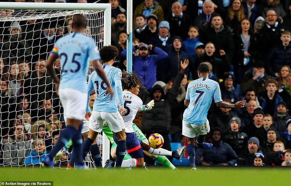 """""""Ngư ông đắc lợi"""" và Top 5 điểm nhấn khi Man City hạ Bournemouth thắng trận thứ 6 liên tiếp - Ảnh 7."""