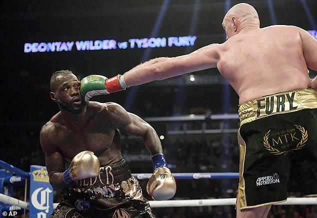 Tyson Fury lý giải vì sao anh không nổi cáu khi nghe công bố bảng điểm - Ảnh 1.