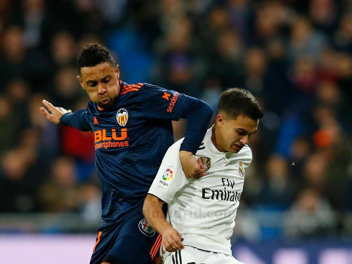 Real Madrid giữ sạch lưới khó tin và những điểm nhấn đáng chú ý từ trận thắng Valencia - Ảnh 2.