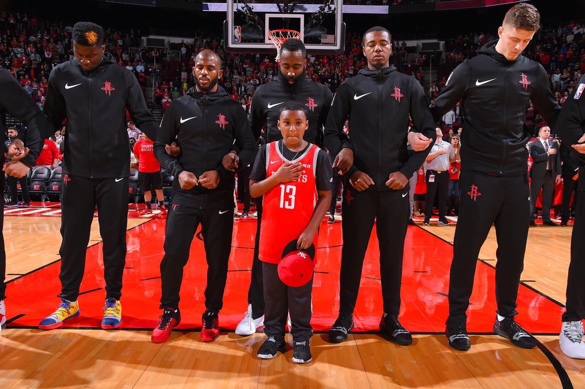 Houston Rockets biến giấc mơ của Chance Smith, một bệnh nhi ung thư thành sự thật - Ảnh 1.