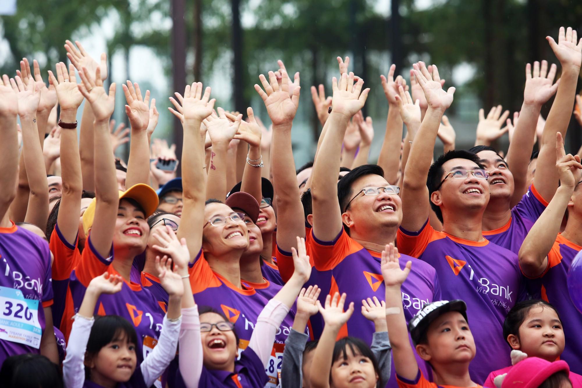 TPBank ra mắt CLB chạy với sự kiện 1.200 người tham dự - Ảnh 1.
