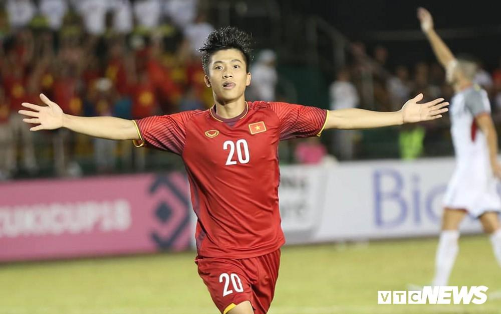 Phan Văn Đức nói gì khi trở thành cầu thủ xuất sắc nhất trong chiến thắng trước Philippines - Ảnh 1.