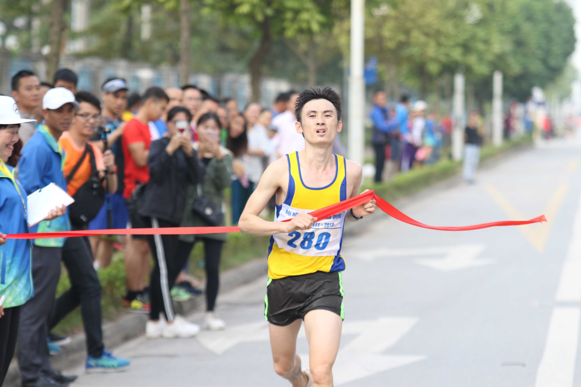 Hồng Lệ và Thế Anh vô địch marathon, chị em Thành Ngưng-Thanh Phúc không có đối thủ - Ảnh 7.