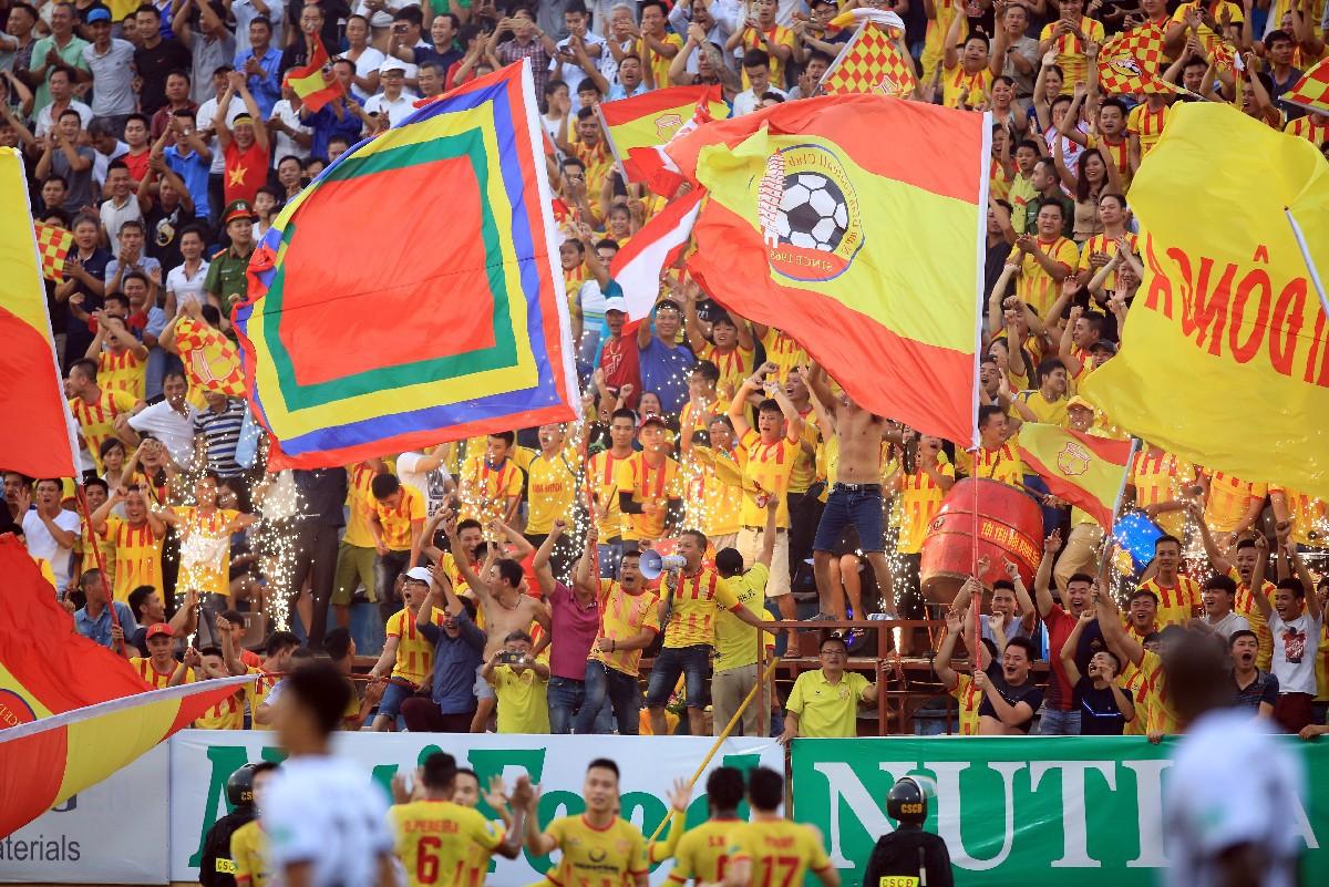 Tổng kết V.League 2018 (kỳ 2): Thành Nam, Kinh Kỳ mở hội, nhạt nhoà bóng đá TPHCM - Ảnh 3.
