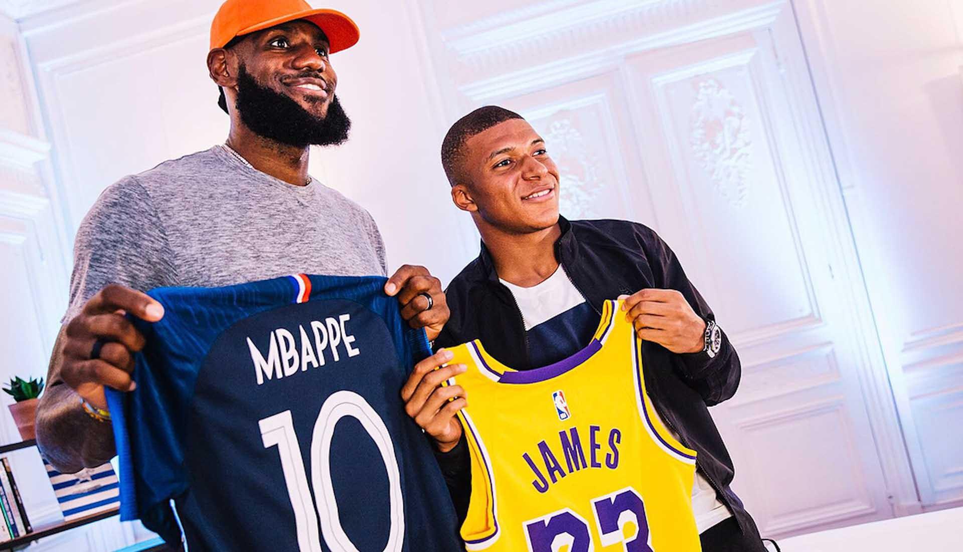 LeBron James đến Paris gặp Kylian Mbappe và Neymar: Hai hoàng tử bóng đá diện kiến nhà vua NBA - Ảnh 3.