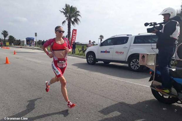 Ironman 70.3 World Championship: Daniela Ryf chạy thả rông đăng quang lần thứ 4 - Ảnh 2.