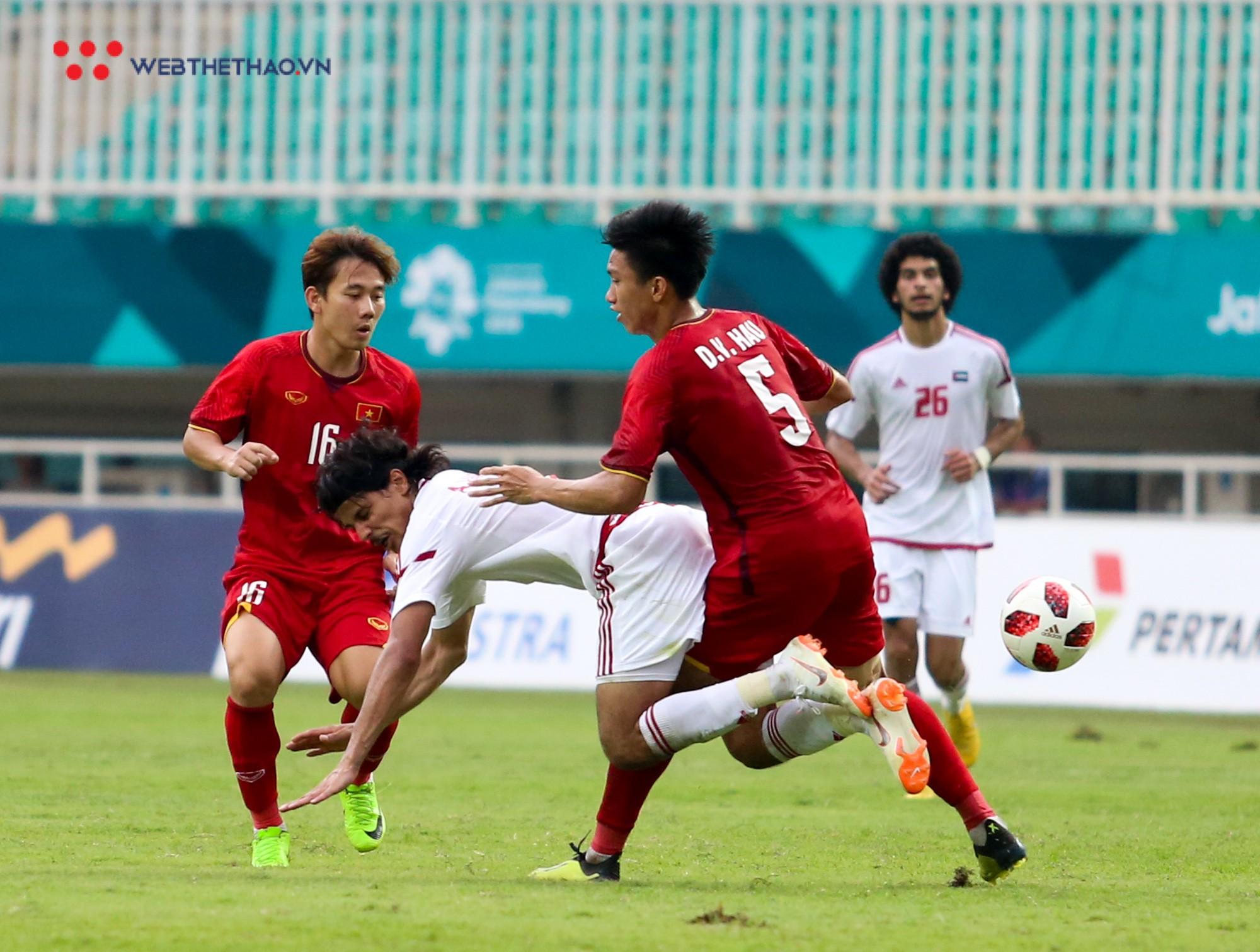 HLV Park Hang Seo bất mãn với Olympic UAE vì câu giờ chờ đá penalty - Ảnh 5.