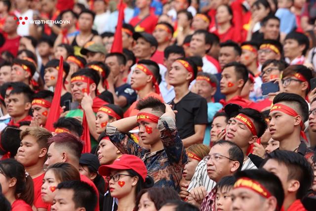 Chùm ảnh: Lệ tuôn rơi vì Olympic Việt Nam - Ảnh 7.