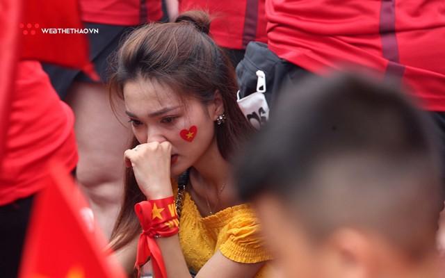 Chùm ảnh: Lệ tuôn rơi vì Olympic Việt Nam - Ảnh 15.