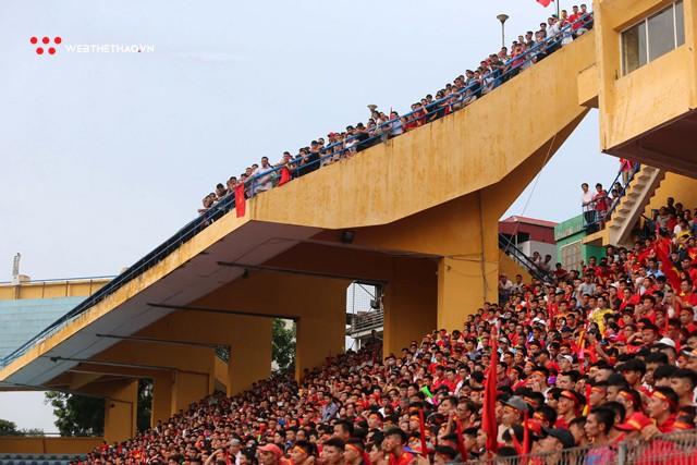 Chùm ảnh: Lệ tuôn rơi vì Olympic Việt Nam - Ảnh 2.
