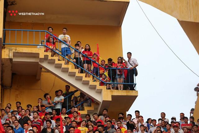 Chùm ảnh: Lệ tuôn rơi vì Olympic Việt Nam - Ảnh 3.