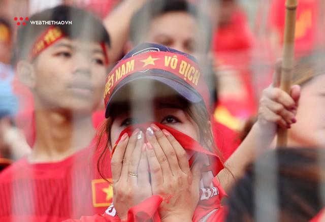 Chùm ảnh: Lệ tuôn rơi vì Olympic Việt Nam - Ảnh 12.