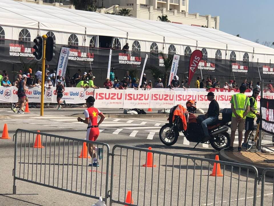 Ironman 70.3 World Championship: Daniela Ryf chạy thả rông đăng quang lần thứ 4 - Ảnh 6.