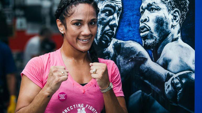 Cô gái Puerto Rico 29 tuổi trở thành nhà vô địch 6 hạng cân đầu tiên của giới Quyền Anh nữ - Ảnh 7.