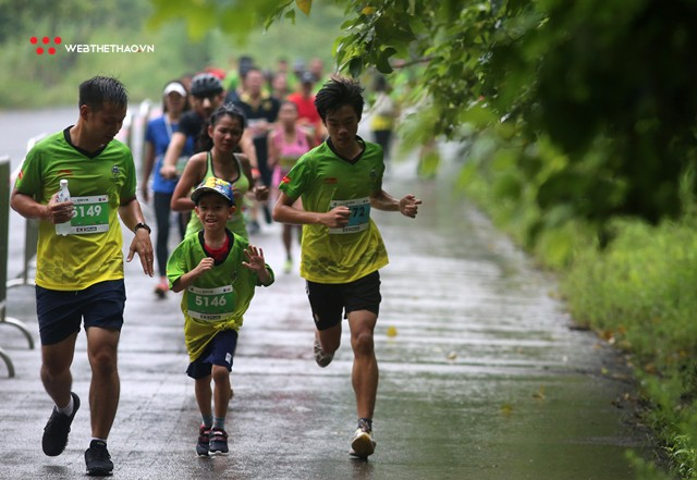 Trang An Marathon 2018: Những bước chân tí hon giữa thánh địa của Tướng Cờ Lau - Ảnh 5.