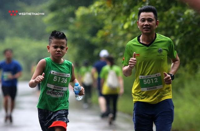 Trang An Marathon 2018: Những bước chân tí hon giữa thánh địa của Tướng Cờ Lau - Ảnh 9.