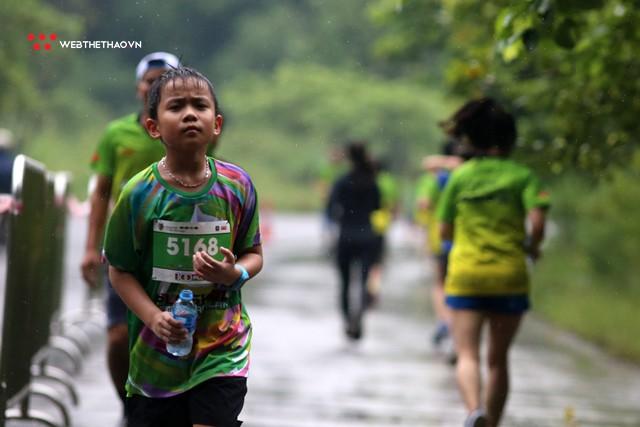 Trang An Marathon 2018: Những bước chân tí hon giữa thánh địa của Tướng Cờ Lau - Ảnh 8.